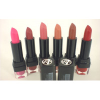 W7 Kiss Lipstick The Matts